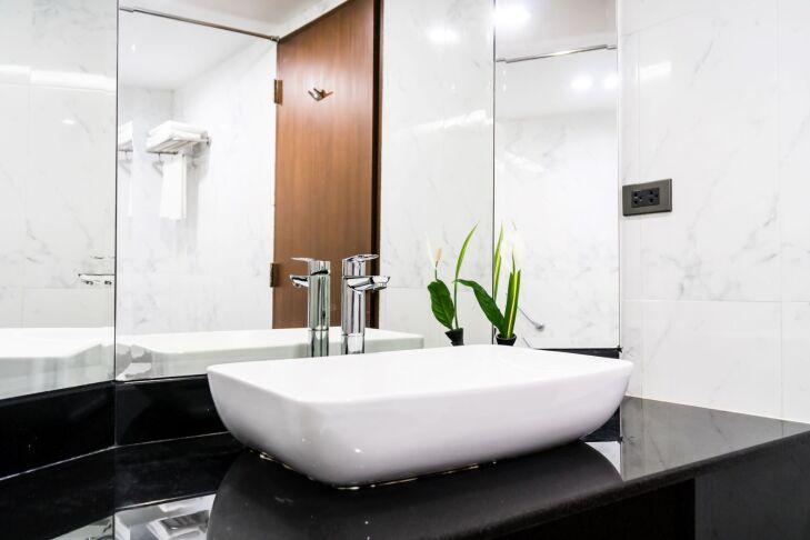 blat łazienkowy z płytek