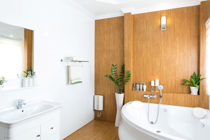 Płytki drewnopodobne - łazienka