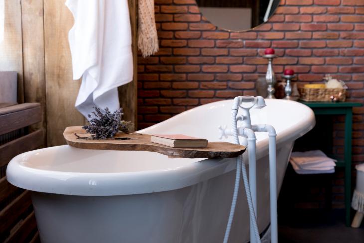 Armatura łazienkowa biała