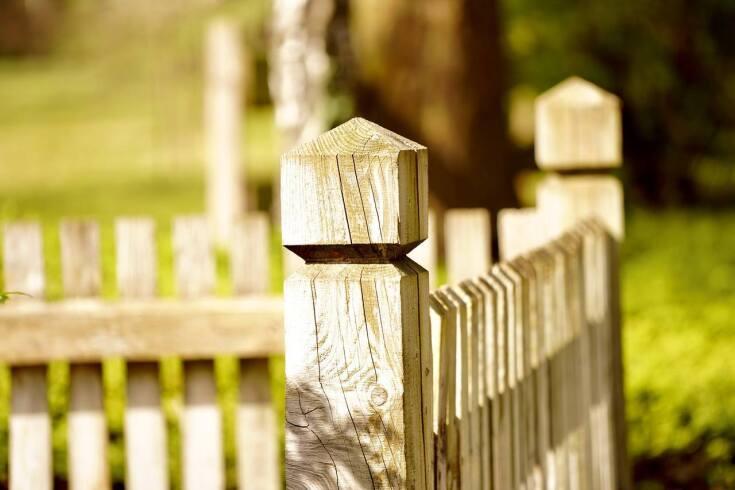 Co warto wiedzieć, wybierając ogrodzenie swojego domu