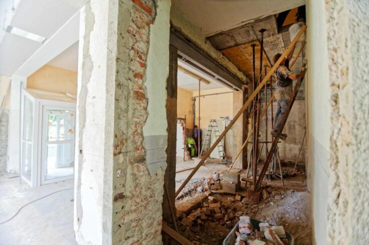Kiedy można przestawić ścianki działowe w domu w stanie surowym?