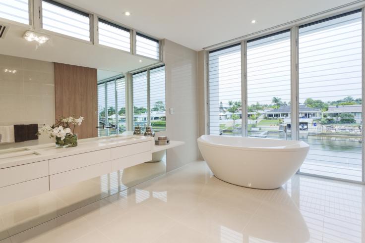 Biała łazienka czy warto