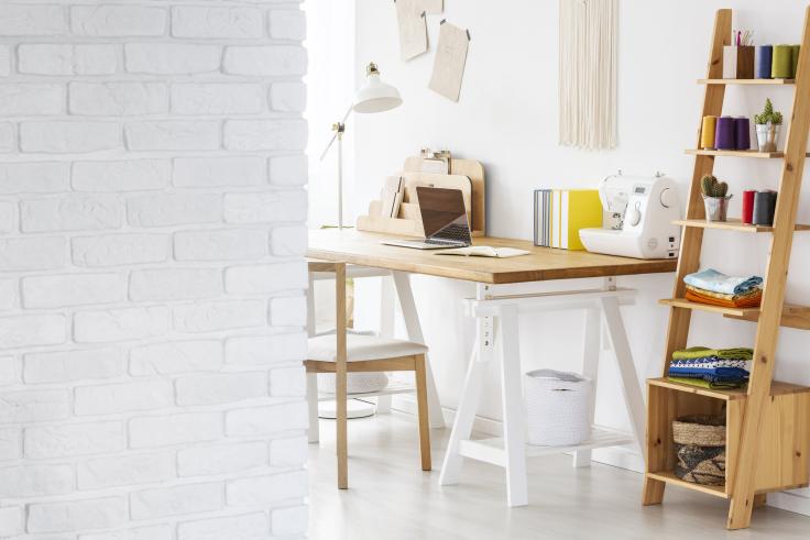 Lampka na biurko w domu