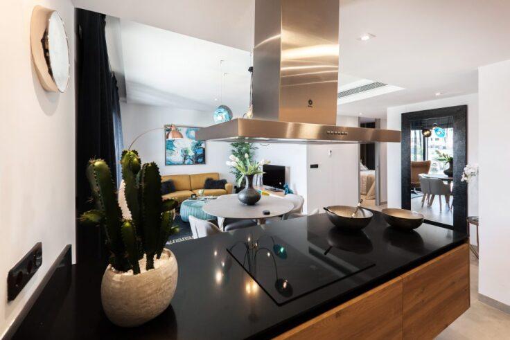 Jak urządzić ergonomiczną kuchnię zgodnie z zasadą trójkąta roboczego?
