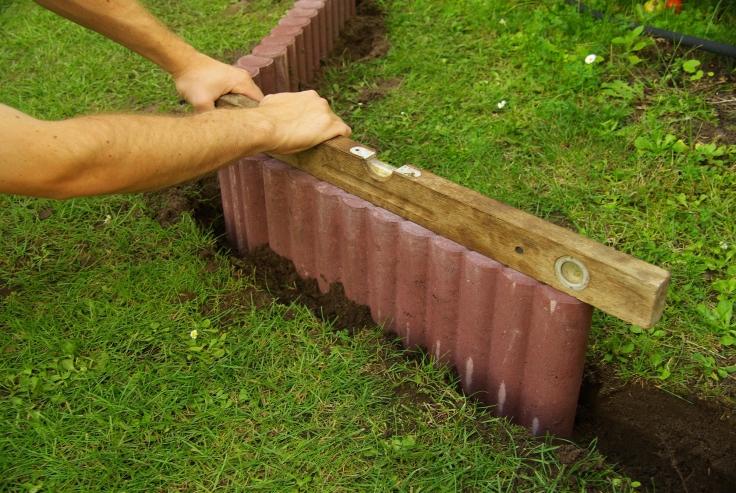 Palisada betonowa - montaż