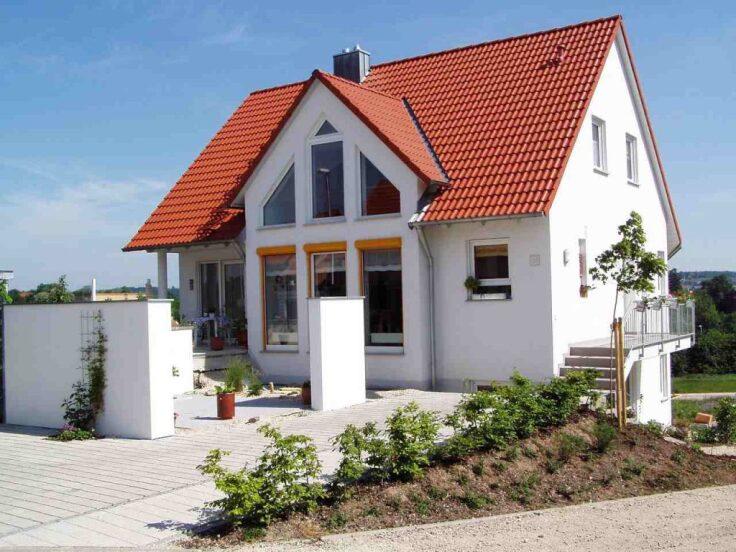 Jak usytuować dom na wąskiej działce?